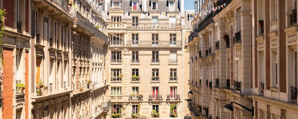 Façades d'immeubles Haussmanniens à Paris