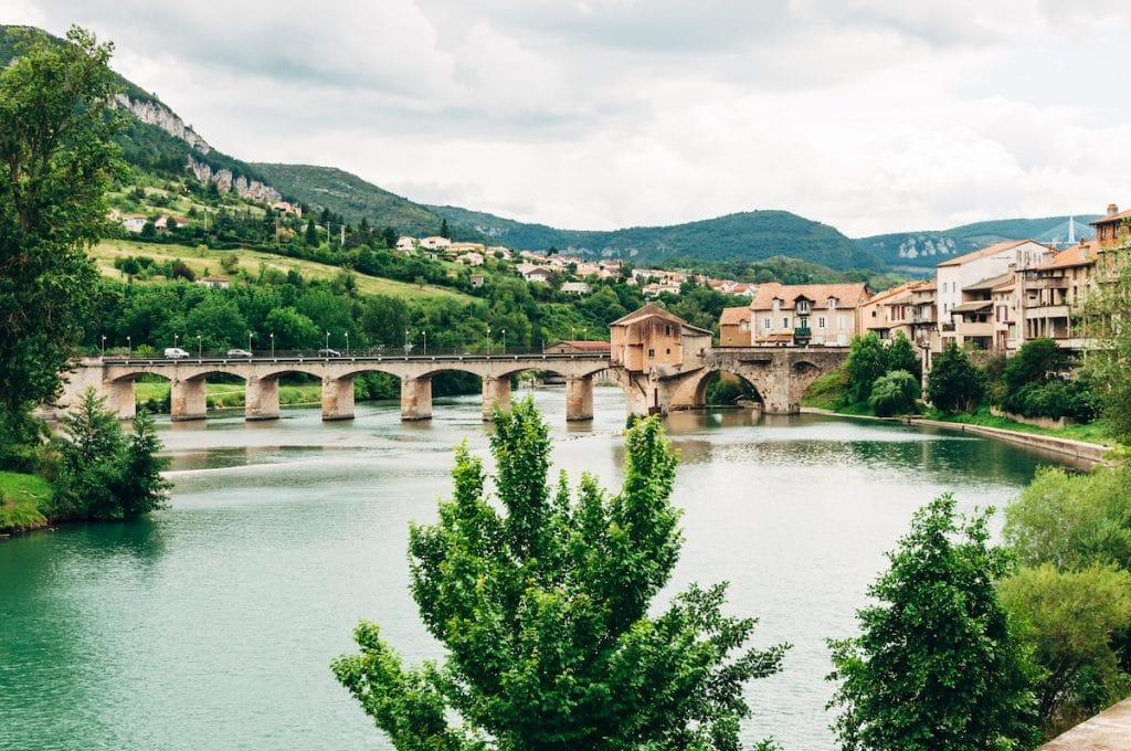 Vue de Millau et de la rivière Tarn